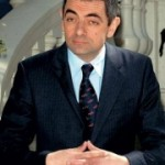 Accident de voiture pour Rowan Atkinson (Mr Bean)