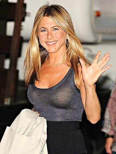 jennifer-aniston-film-le-mytho-devetue-magazine-allure