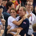 Kate Middelton et le Prince William s'offrent de tendres câlins aux JO